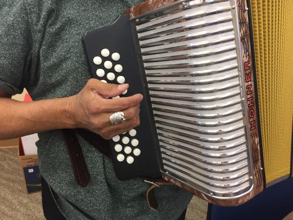 button accordion